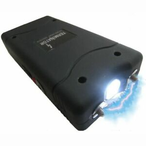 Taser self défense, dissuasif,  puissant 10000volts+ lampe de poche + étui