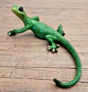 Green speckled Gecko Lizard freestanding ornament home Wall mounted UK SELLER
