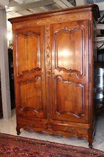 Armoire de style Louis XV en merisier massif décor sculpté 2 portes 2 tiroirs