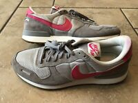Nike Classic Women's Size 10 Pink Patent Leather Gray Running Athletic Shoes