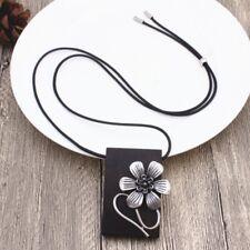 Halskette Sandelholz mit Blumen Anhänger Handarbeit Vintage