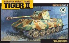 ACA13304 - Academy 1:35 - Tiger II Motorized