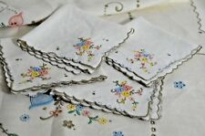 COLORFUL VINTAGE MADEIRA EMBROIDERED LINEN TABLECLOTH WITH 4 NAPKINS SS325