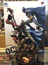 DC Collectibles Direct Batman Harley Quinn Battle & Hyena Statue Diorama #413