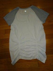 Women's Athleta White/Gray Athletic T-Shirt Size M