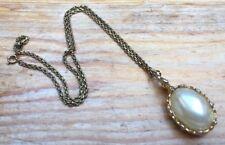 Gorgeous Vintage Pearl Effect Pendant Necklace/Gold Tone Flowers/Retro/Long/60's