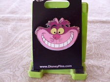Disney * CHESHIRE CAT - SMILING FACE * New on Card Alice Wonderland Trading Pin