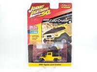 Johnny Lightning Toyota Land Cruiser 1980 4x4 Off Road Yellow JLCP7284 1/64 NOC