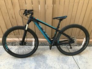2018 Fuji SLM 2.5 Mountain Bike - Medium