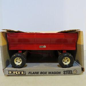 Ertl Case IH Flare Wagon 1/16 IH-635DO-B