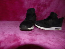 Mens Nike Air Max Tavas Black White Trainers Shoes - UK 8