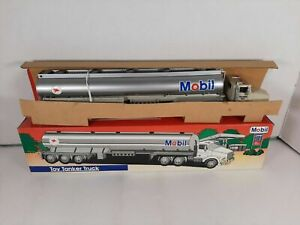 1993 Mobil Oil Limited Edition Collectors Series Toy Tanker Truck Die Cast NEW