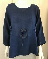 NAVY OVERSIZE TOP WITH APPLIQUE FLOWERS    Ref LM620