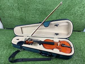 ANTONI AXL 32 1/2 SIZE STUDENT VIOLIN WITH CASE AND BOW. House Clearance Violin