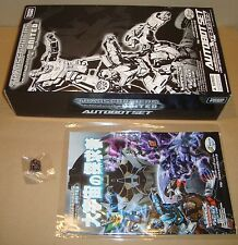 TRANSFORMERS UNITED AUTOBOT SET+COMIC+PIN E-HOBBY LIMITED 2010 TAKARA TOMY