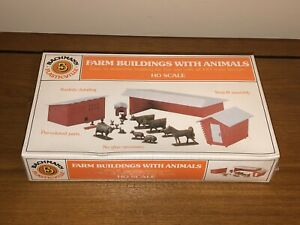 Vintage Bachmann 45152 HO Scale Railroad Scenery Farm Buildings With Animals NIB