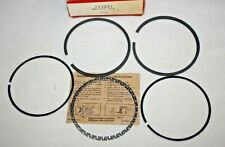 Briggs & Stratton Ring Set #393881 (690014) for Model 193707, Toro 1980's Riders