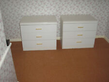 TWO WHITE SETS OF DRAWERS, 3 DRAWERS IN EACH. GOOD CONDITION.