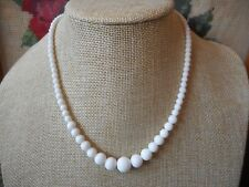 Vintage 50's/60's kitsch opaque glass bead necklace - white - new old stock