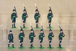 BRITAINS RE CAST WW2 SOUTH AFRICAN LOUW WEPENER INFANTRY SOLDIERS MARCHING x 10