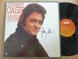 """JOHNNY CASH signed Autogramm signiert """"ONE PIECE AT TIME"""" Vinyl Schallplatte LP"""