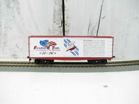 Tyco Swift Refrigerator Line Reefer Box Car SRLX 4226 - HO Scale Graffiti