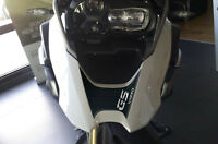ADESIVO in resina gel 3D BECCO FRONTALE compatibile per MOTO BMW GS R1250 CARBON