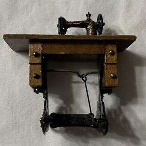 Miniature Doll Dollhouse Pedal Treadle Sewing Machine Case Metal & Wood 1:12