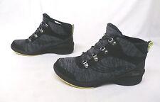 Bzees Women's Horizon Walking/Hiking Boots Black GG8 Size 9W