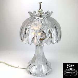 """Vintage 15"""" Fine crystal TABLE Lamp BEAUTIFUL AND VINTAGE ETCHED FLORAL"""