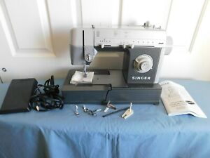 Singer Sewing Machine CG-550C Pedal / Manual / Accessories