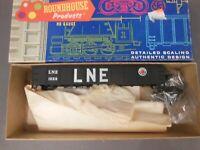 HO SCALE ROUNDHOUSE LEHIGH & NEW ENGLAND 1026 40' GONDOLA KIT CUSTOM DECORATED
