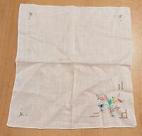 Tischdecke,Platzdeckchen,weiß,handbestickt,100% Leinen.26 x 24 cm.