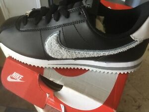 Nike Cortez Basic SL (GS) Black/Cool Grey  Big Kids  Shoes  SIZE 4.5 Y New