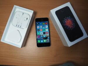 Apple iPhone SE 32GB Space Grey Unlocked