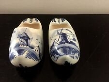 Paire de sabots cendriers porcelaine de DELFT pair of hooves shoes
