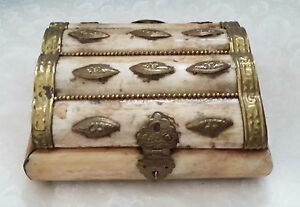 Trinket box bone with brass embellishments hand made in India-13cm