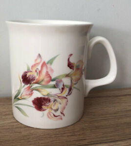 PRETTY PINK & RED IRIS FLOWER English Bone China Mug VGC