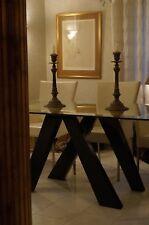 Imposante table d'appoint design noir doré à la feuille d'or d'un château