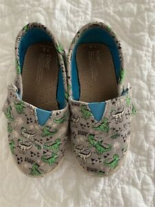 toms canvas shoes toddler size 8 dinosaurs