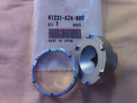 HONDA CR 125 250 500 REAR WHEEL BEARING RETAINER WITH REMOVAL TOOL 89 - 99