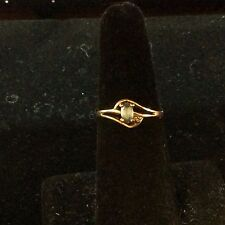 VINTAGE 10K YELLOW GOLD DIAMOND AND TOPAZ RING SIZE 5.5