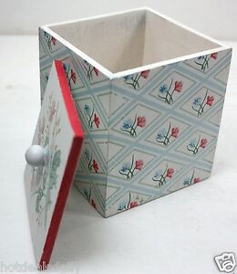 """HAND MADE WOODEN TRINKET BOX WITH LID FLOWER DESIGN 3"""" X 3"""" X 4"""" HAND PAINTED"""