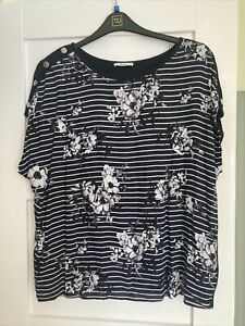 Ladies Blue Floral TU Top Size 20 New Without Tags