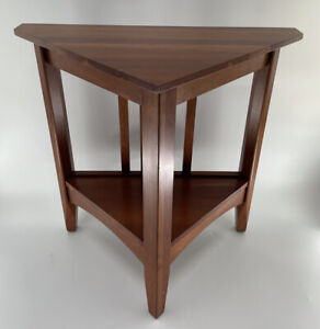 Ethan Allen New Impressions American Triangle End Table #24-8506 234 Prairie