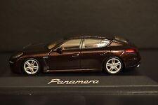Porsche Panamera  2013 Minichamps diecast vehicle in scale 1/43 SEE DESCRIPTION