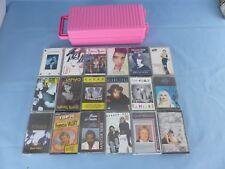 Lot de 18 cassettes audio anciennes divers artistes français + boite rangement