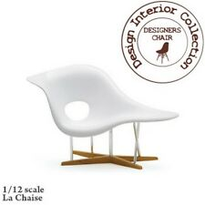 Eames LA CHAISE in bianco, cromato e legno, DOLLS HOUSE miniatura, 1.12 TH scala