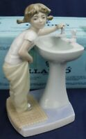 Lladro CLEAN UP TIME Model 4838 BOXED