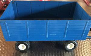 VINTAGE 1/12 BIG BLUE FIELD ENGINEERED WAGON FORD TRACTOR TRAILER FARM DIECAST